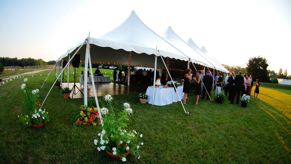 Classic black-tie event highlight this venue's simple elegance.