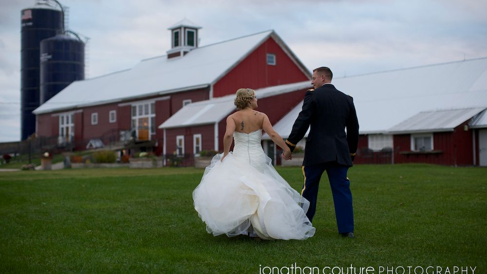 Iconic red barn creates a charming yet rustic ambiance at Boyden Farm. photo credit Jonothan Couture Photography